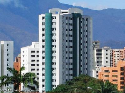 Bello Apartamento A La Venta De 3 Habitaciones
