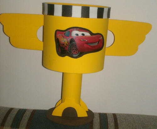 cotillon de cars  (copa piston) en foami
