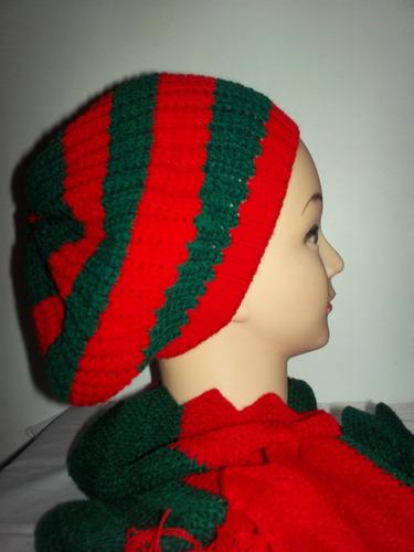 gorras boinas navideñas. tejidas en el ecuador.